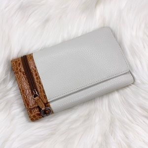Brighton Pebbled Leather Trifold Organizer Wallet